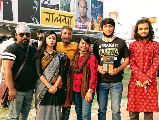 """""""সিনেমাটগ্রাফিঃ তত্ত্ব ও শিল্পরূপ"""" বইয়ের মোড়ক উন্মোচন হলো একুশে বইমেলায়"""